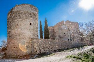 Le chateau de Montbrun - Les Calades du Ventoux © Francis Manguy